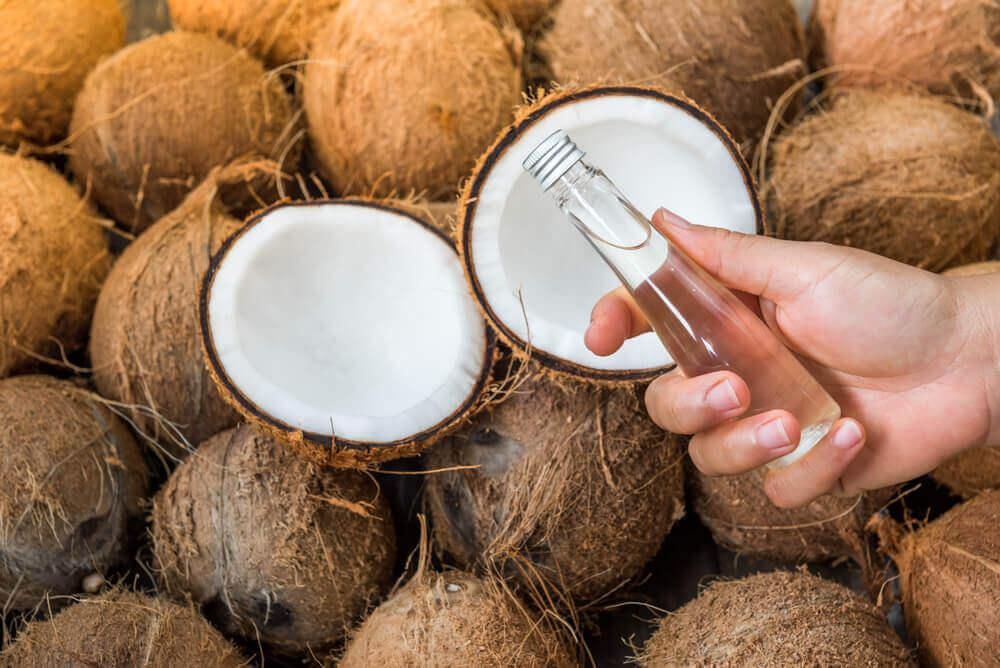 Olio di cocco per ridurre smagliature