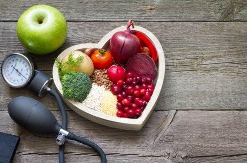 Dieta adeguata per controllare il colesterolo