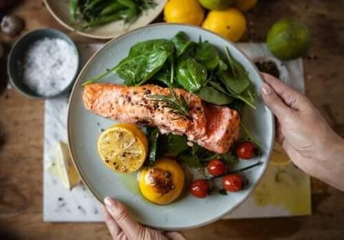 4 consigli alimentari in caso di colesterolo