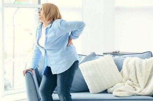 Eliminare i rotolini sulla schiena: 6 consigli