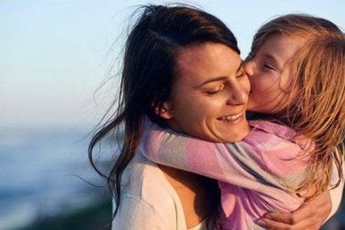 Figli affettuosi: utili consigli per infondere amore