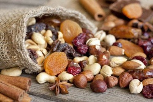 quali frutta secca ti aiutano a perdere peso