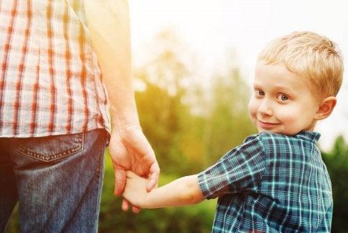 Genitori affettuosi figli affettuosi