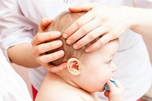 Il bebè ha battuto la testa, come intervenire?
