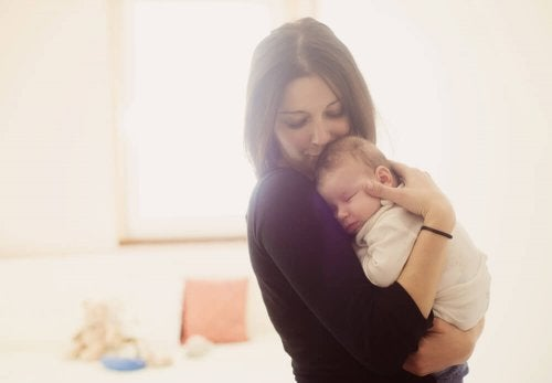 Madre con il suo bambino.