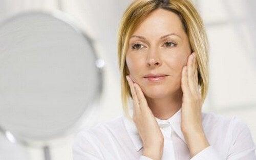 8 consigli per una pelle liscia, anche dopo i 40 anni