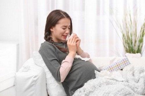 Piangere durante la gravidanza: influisce sul feto?