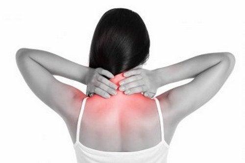 Rimedi naturali per il dolore al collo che vi piacerà provare