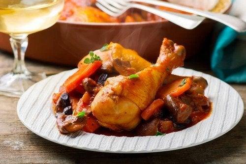 Ricetta della nonna per un delizioso stufato di pollo