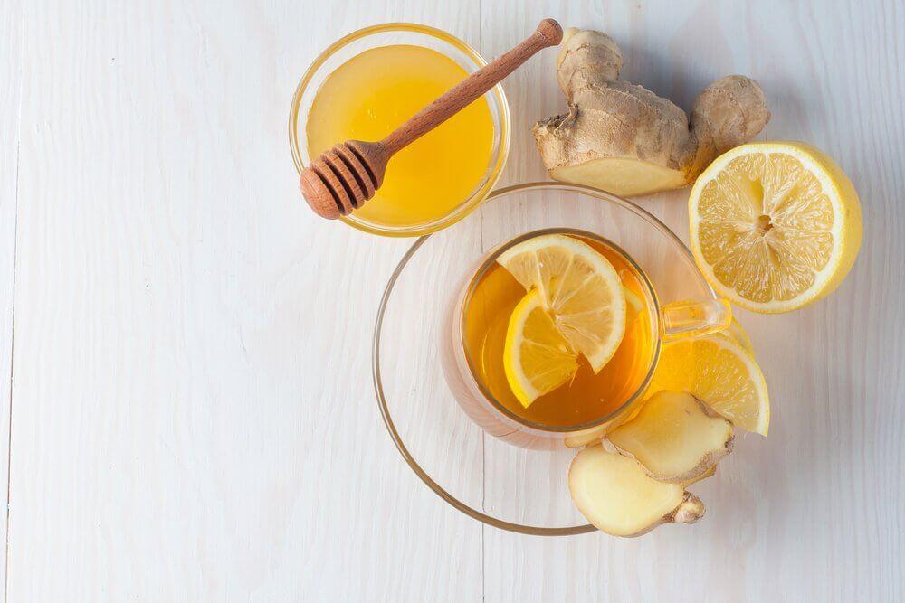 Zenzero, miele e limone per curare la tosse