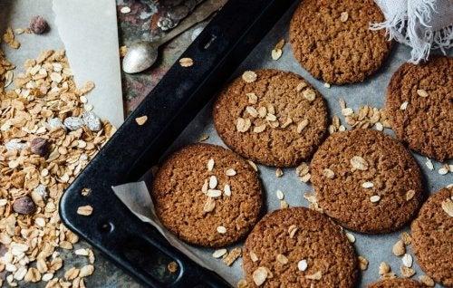 Biscotti d'avena, lino e sesamo in forno