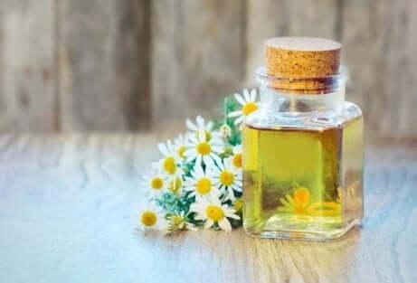 Olio essenziale di camomilla per eliminare un ozaiolo.