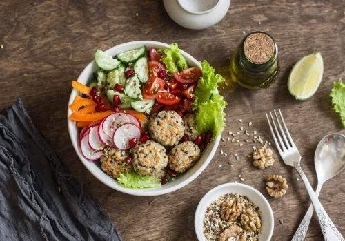 Polpette di quinoa e ceci facili da preparare