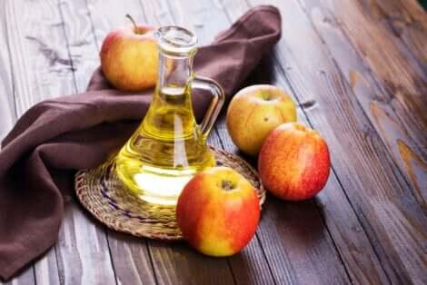 Aceto di mele per combattere i pidocchi.