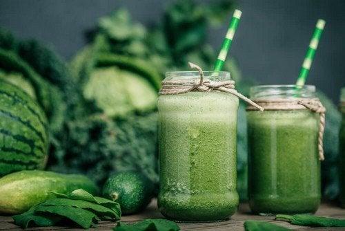 Frullati verdi: perché sono grandi alleati della dieta?