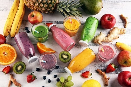 Frutta e verdura centrifugati.