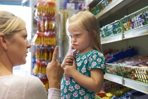 Madre rimprovera la figlia