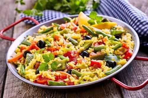 Paella vegetariana: ipocalorica e gustosa