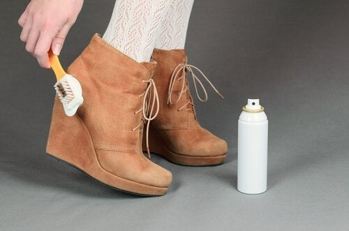 Pulire le scarpe: utili consigli per qualsiasi calzatura
