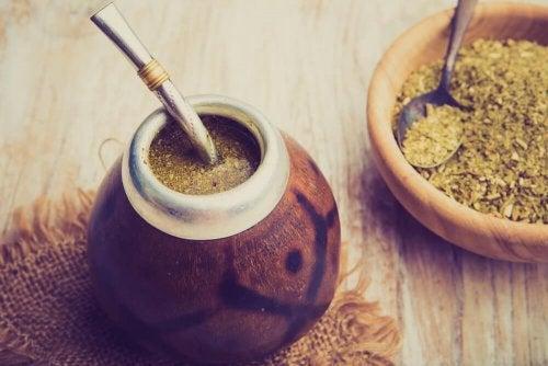 Té y raíz de maca