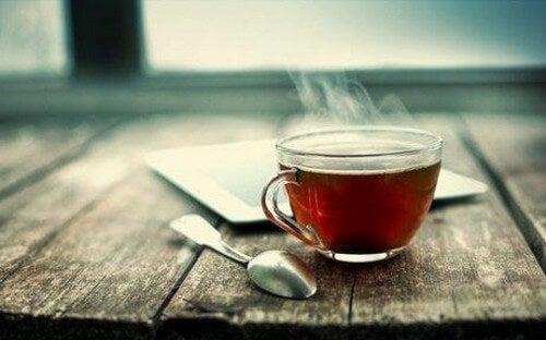 Nanoparticelle delle foglie di tè che inibiscono il cancro