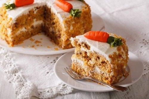 Torta di carote: deliziosa ricetta senza grassi né uova