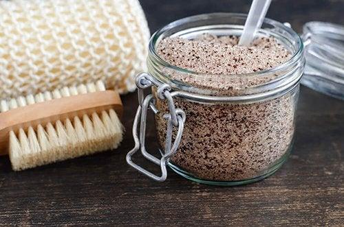 Esfolianti allo zucchero di canna da preparare in casa