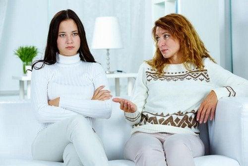 Evitare che un figlio adolescente diventi conflittuale