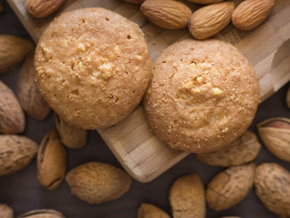 Biscotti con cocco e mandorle: ricetta sana e veloce