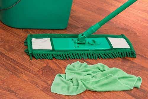 Detersivo naturale per pavimenti a base di agrumi