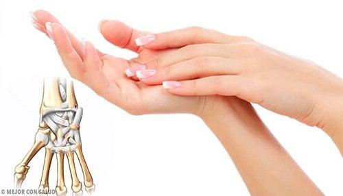 Zenzero e curcuma per alleviare i dolori articolari