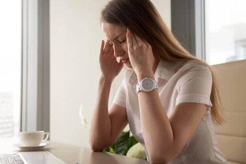 Ciclo mestruale mal di testa