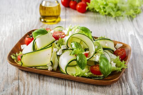 Carpaccio di zucchine e frutta secca