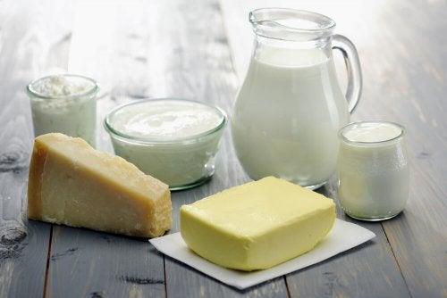 Latte, burro, formaggio e yogurt
