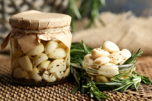 Olio d'aglio: un rimedio versatile per il nostro corpo