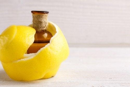 Rimedio a base di limone per i dolori articolari e i crampi