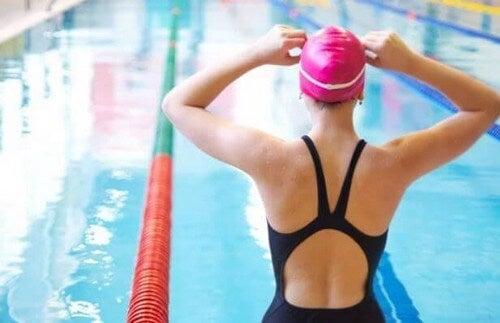 Vincere la paura dell'acqua e migliorare la tecnica di nuoto