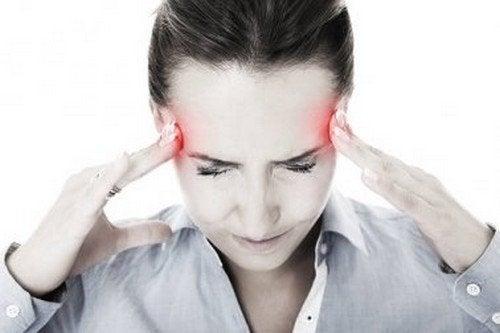 Calmare l'emicrania con rimedi naturali