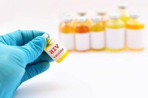 Vaccino anti-HIV: nel 2019 la sperimentazione
