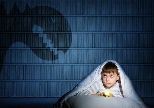 Paura di dormire soli