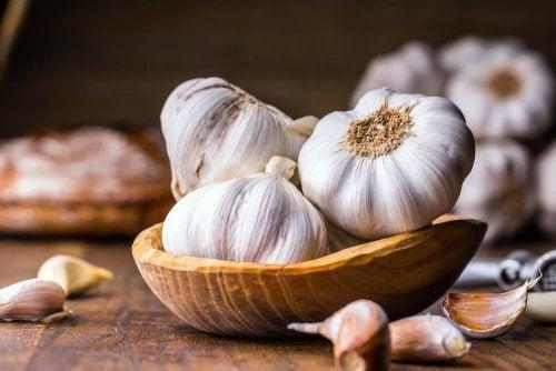 Proprietà disintossicanti dell'aglio
