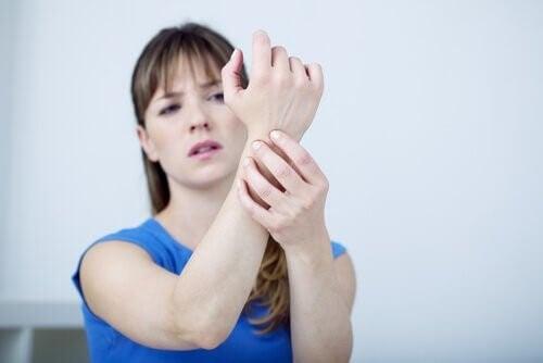 Alleviare il dolore del tunnel carpale con massaggi