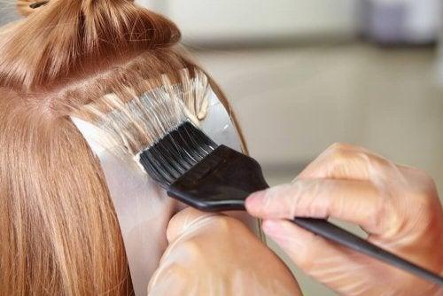 Decolorazione dei capelli biondi