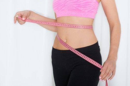 Donna misura girovita