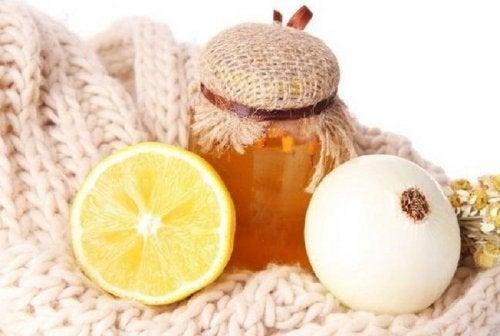 Rimedio di cipolla e miele