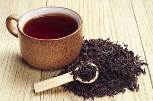 Tè nero per curare l'ascesso gengivale