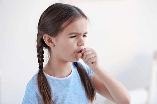 Tosse notturna nei bambini: 7 rimedi
