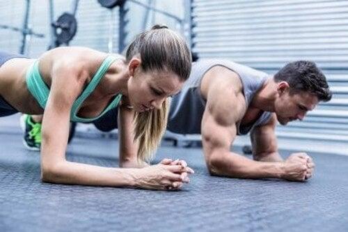 Allenare i muscoli in eccesso, quali conseguenze porta?