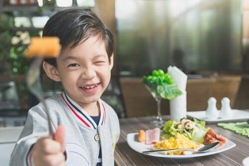 Crescita delle ossa nei bambini e alimentazione