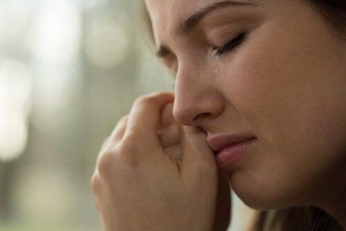 Non trattenere le lacrime nei momenti difficili: benefici